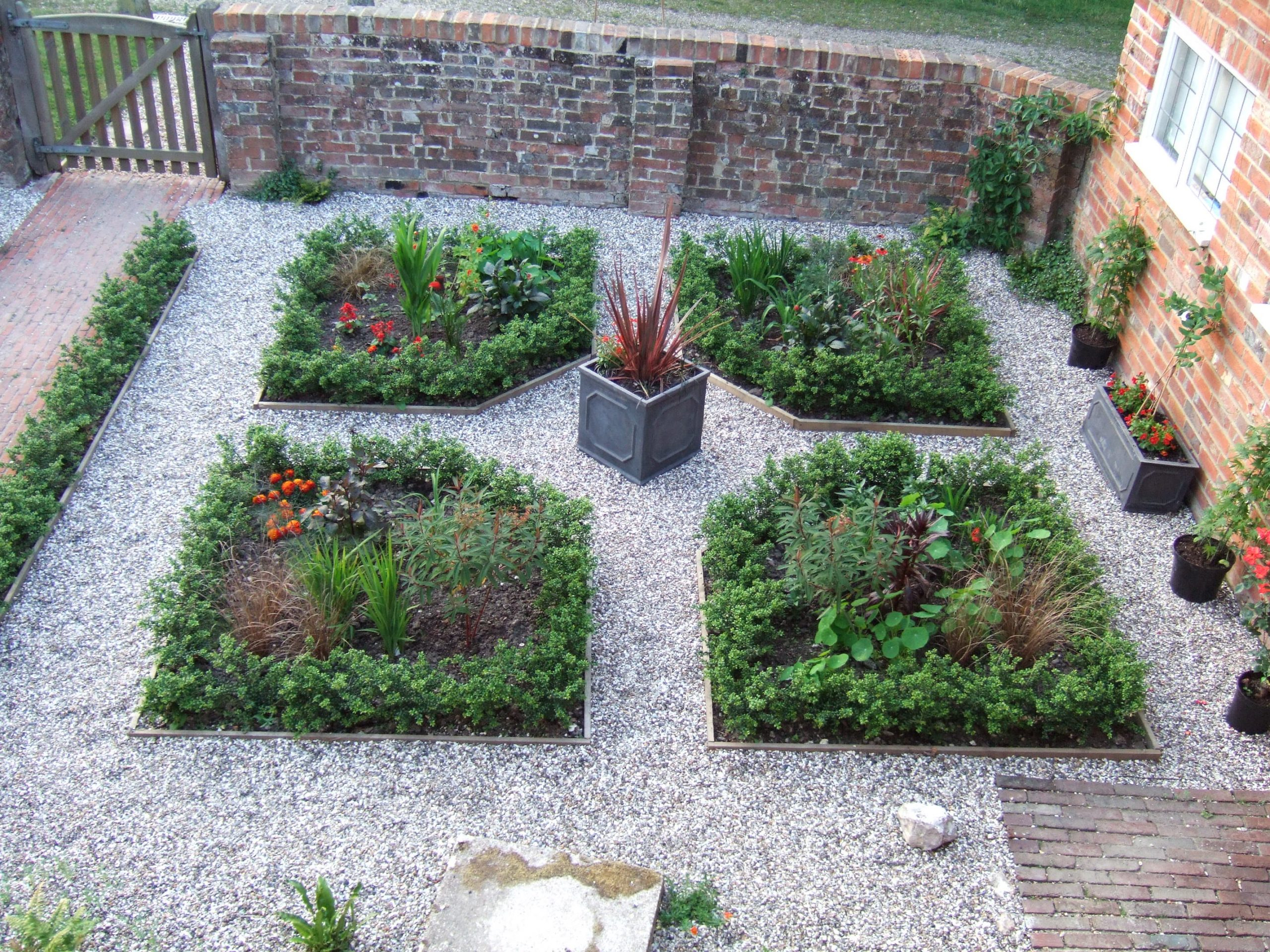 How to plant a low maintenance garden?