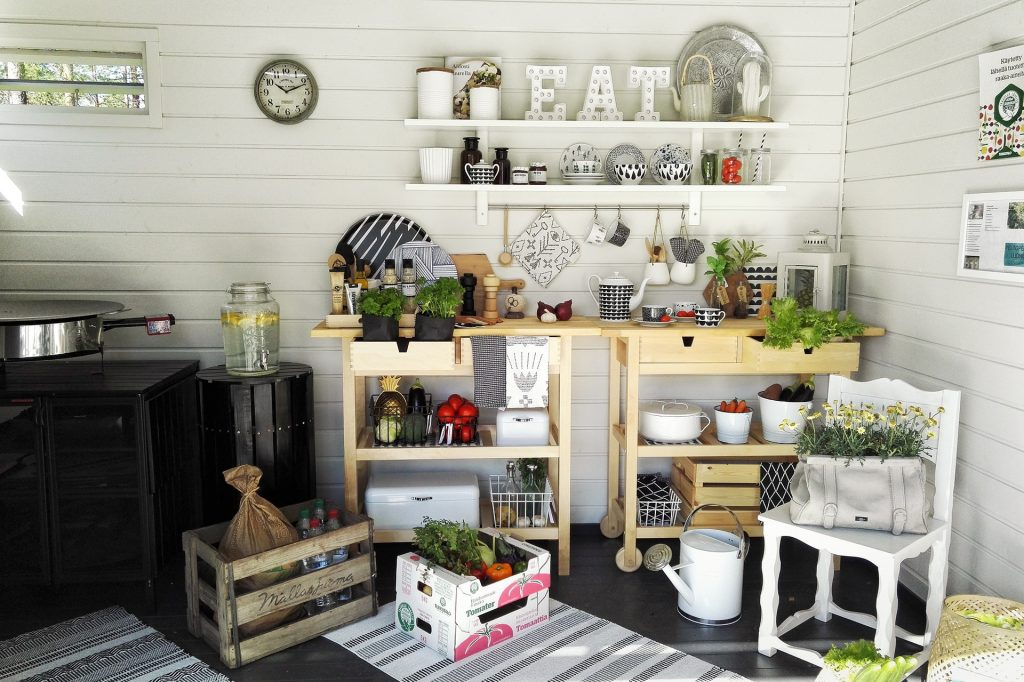 Indoor apartment Gardening